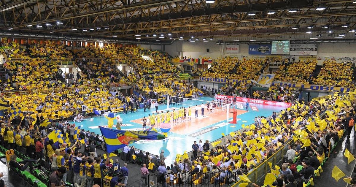 Visto dal basso volley casa modena la signora in giallo for Casa modena volley
