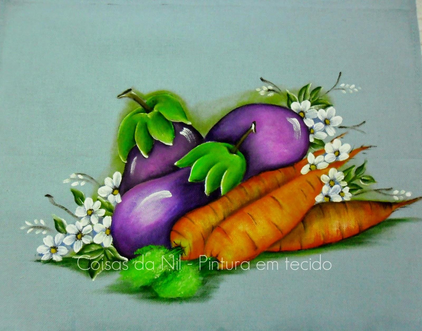 pintura em tecido pano de copa com beringelas e cenouras