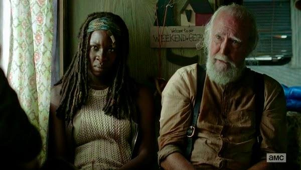 Michonne y Hershel en una escena eliminada de The Walking Dead