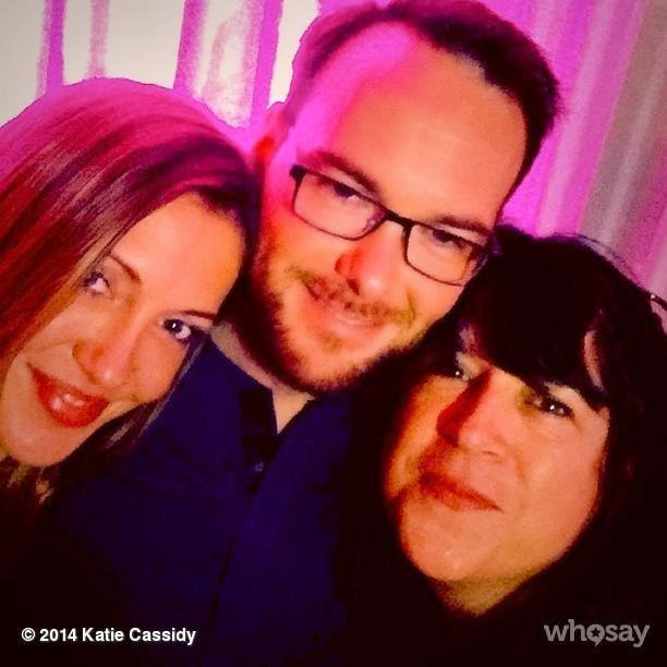 Nueva foto de Dana Brunetti, E. L. James & Katie Cassidy