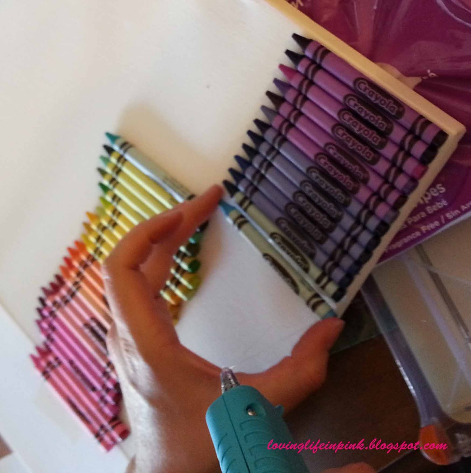 How to make melted crayon art without crayons on canvas for How to make a melted crayon art canvas