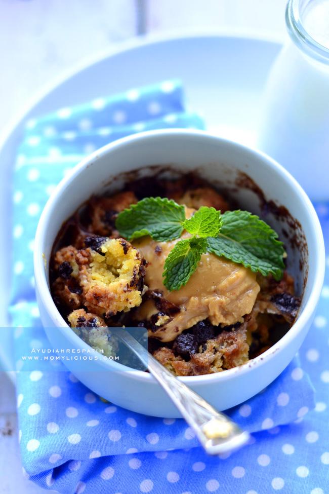 Chocolate Chips Mug Cake