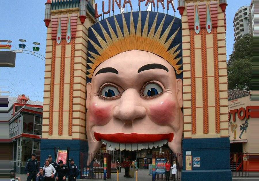 Sydney art deco heritage luna park for Puerta 7 luna park