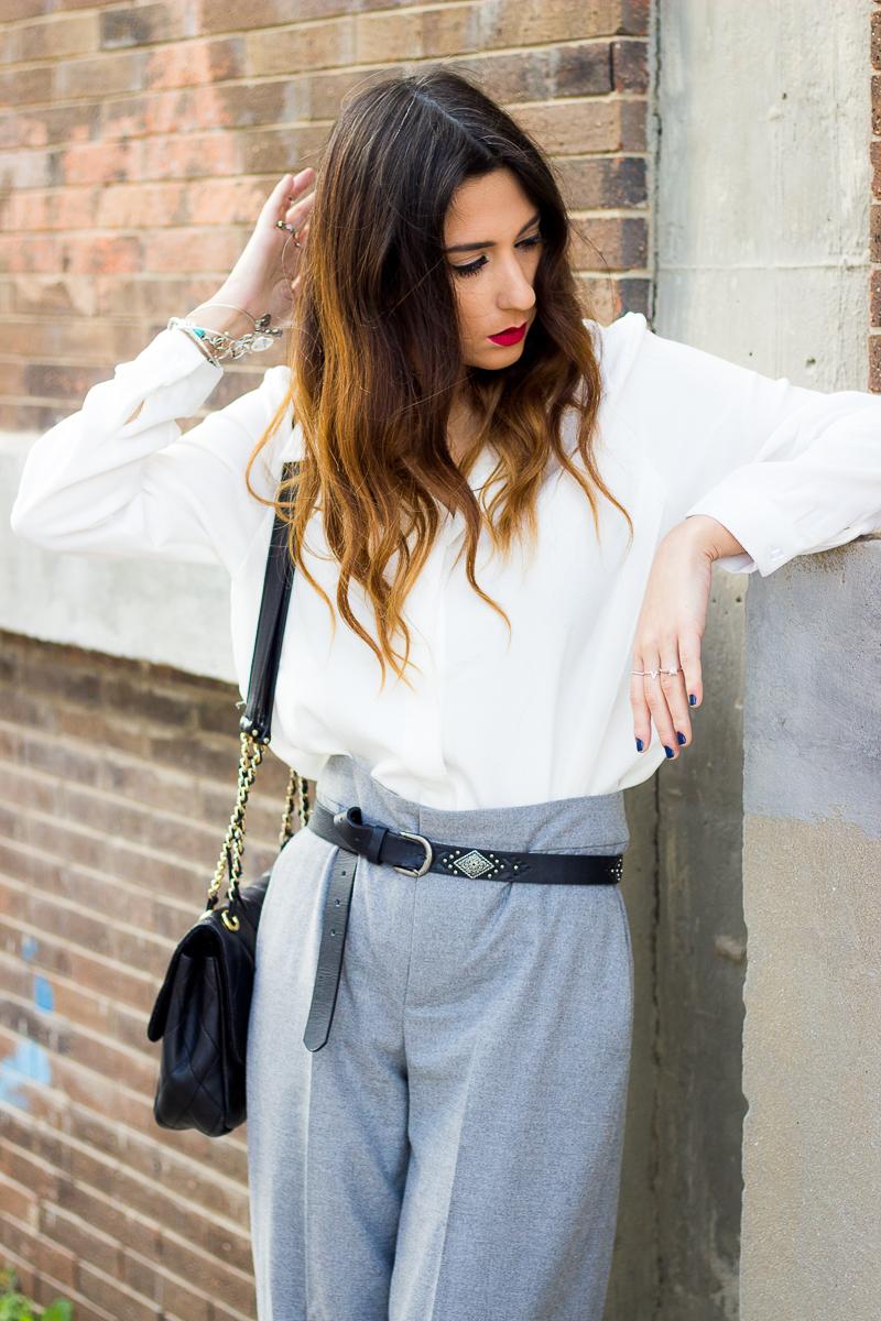 pantalones grises fluidos