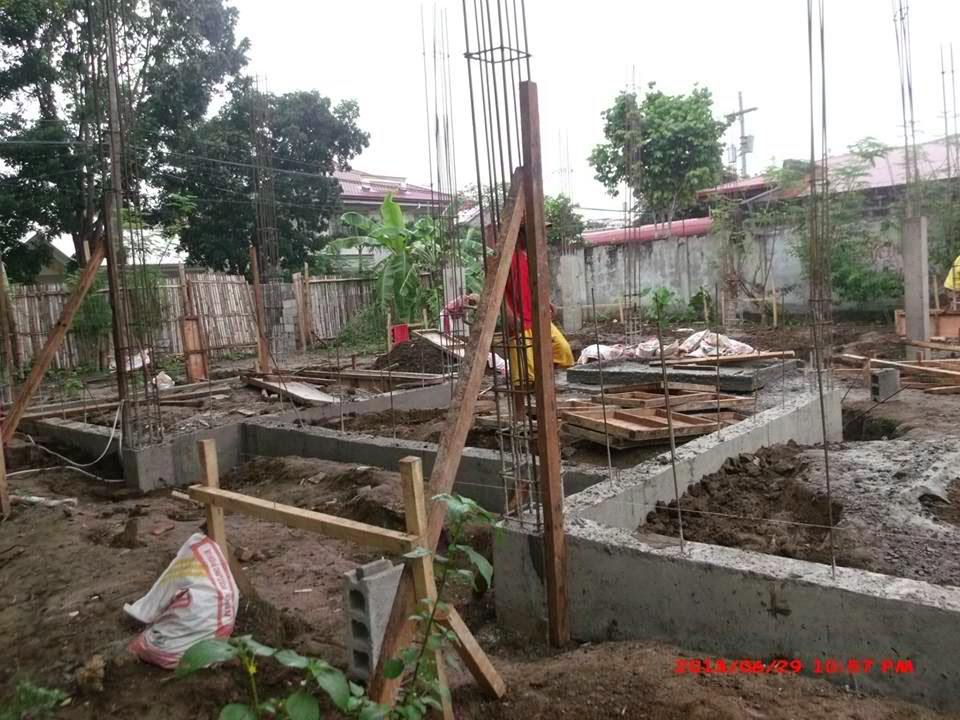 Ledesco village house construction project in lapaz for Cheap house design philippines