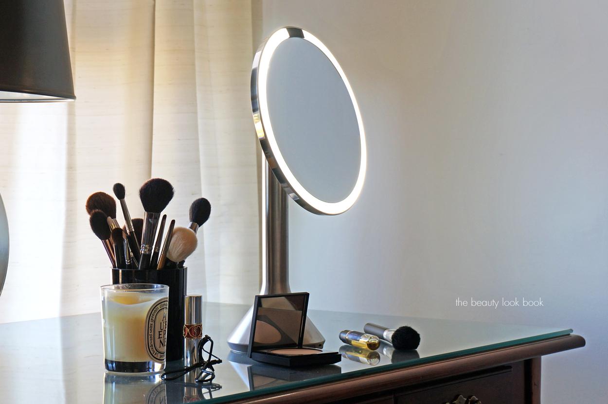 Simplehuman Sensor Mirror The Beauty Look Book