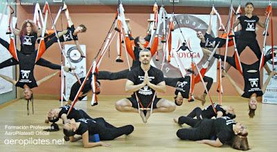 El arte del yoga aereo by rafael for Aereo barcelona paris