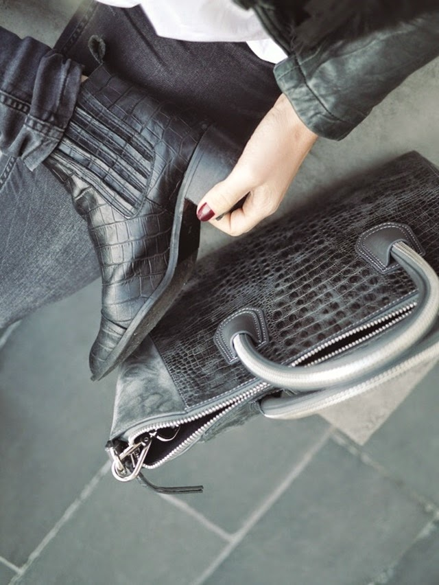 croc leather ankle boots - tote