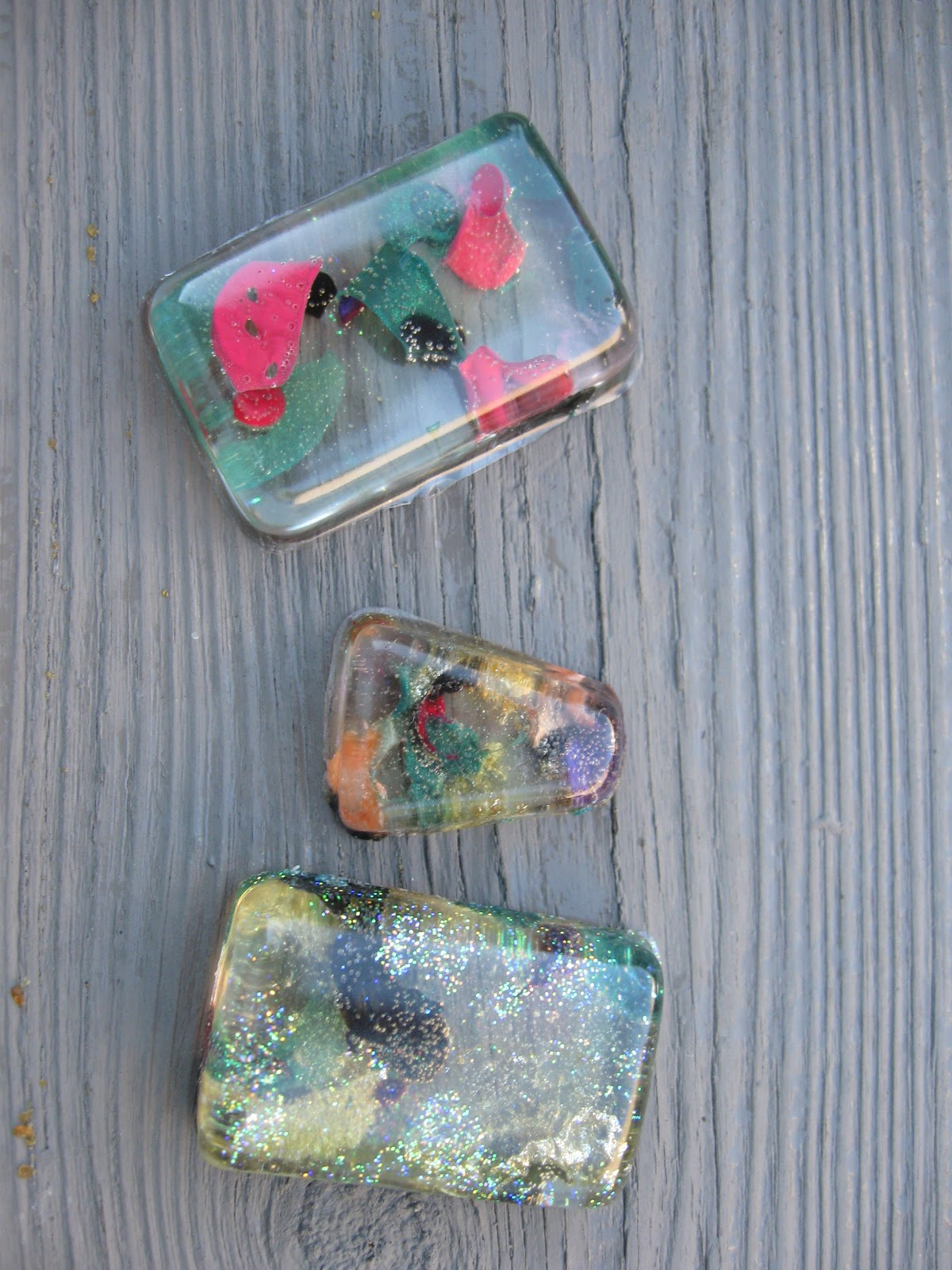 Craft klatch nail polish resin pendants for Nail polish crafts