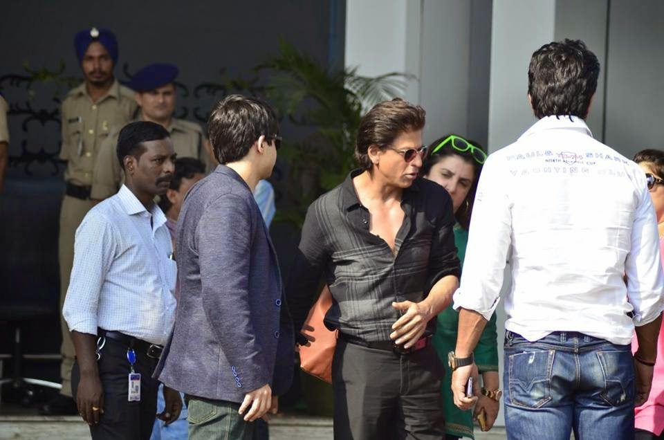 Happy New Year team srk, sonu sood & faraha all are Snapped at the Airport