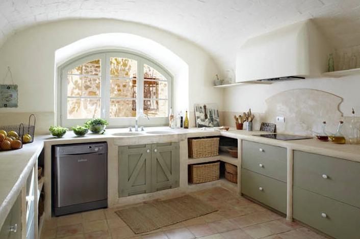 Una masia en el ampurdan catalan fantastic catalan farmhouse - Cocinas de obra rusticas ...