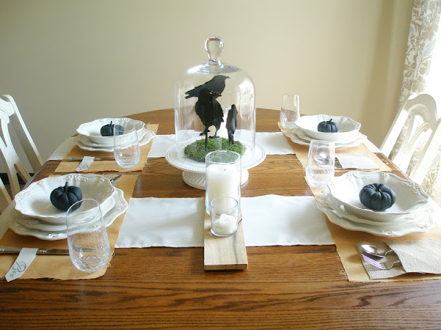 Simple Halloween Table Setting by www.adorbymelissa.com