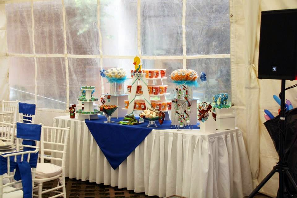 Mesa de dulces y botanas bautizo - okmira