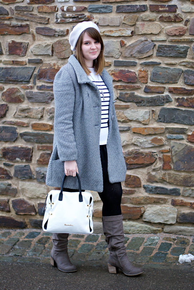 ootd outfit look french parisienne beret stripes