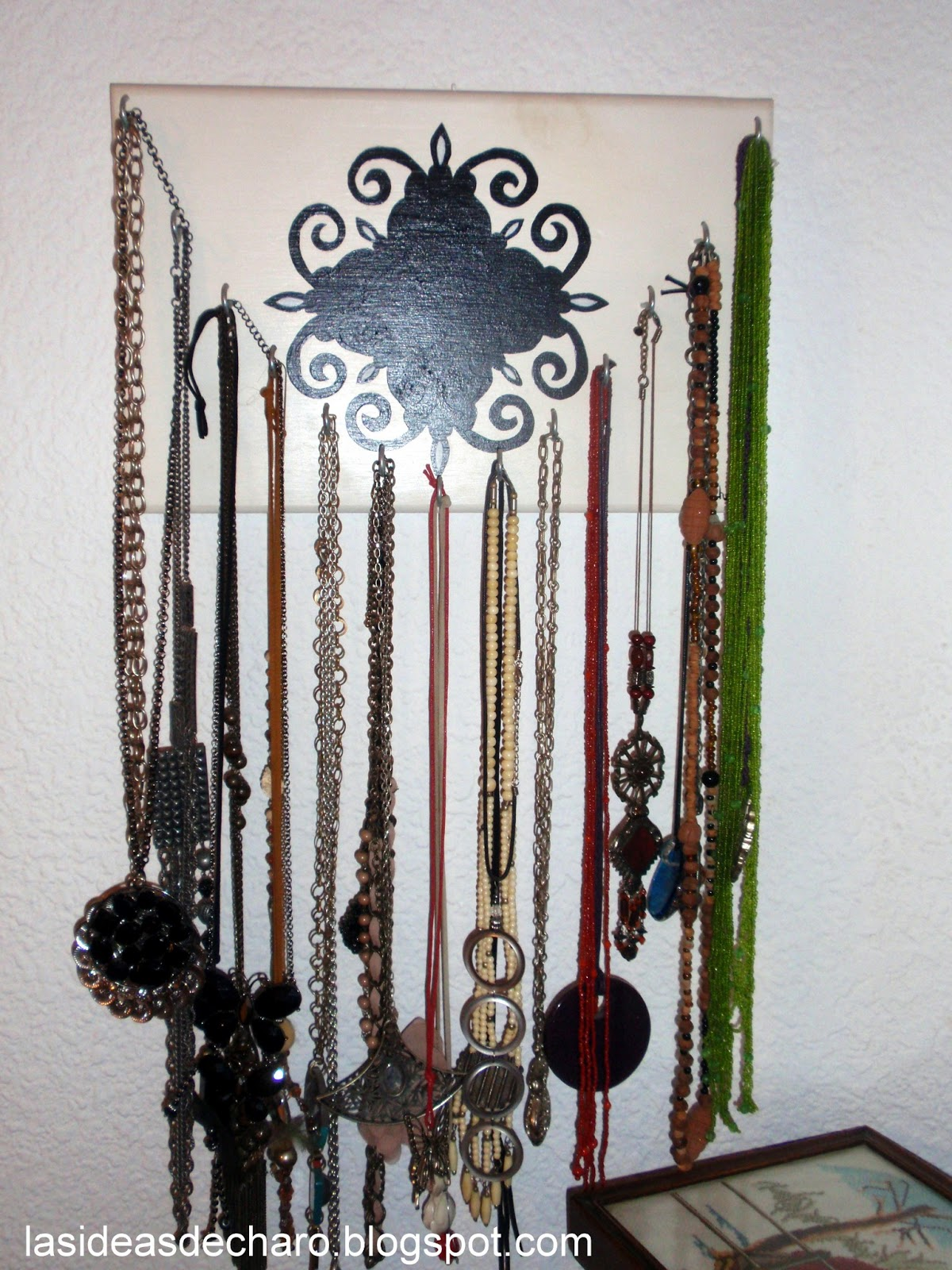 Las ideas de charo colgador de collares - Para colgar collares ...