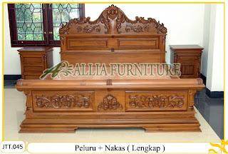 Tempat tidur ukiran kayu jati Peluru Nakas ( Lengkap )