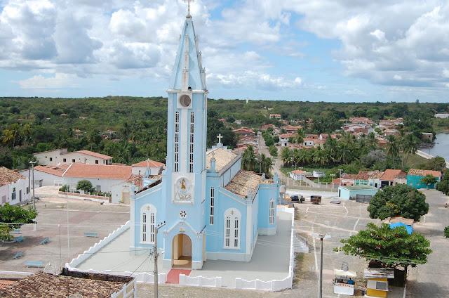 http://1.bp.blogspot.com/-_JluF4qXRMQ/T8DTvW1dkaI/AAAAAAAAFVk/KBX7wGxuSbg/s400/igreja-parazinho-2011-vista-ac3a9rea-www-parazinet-com.jpg