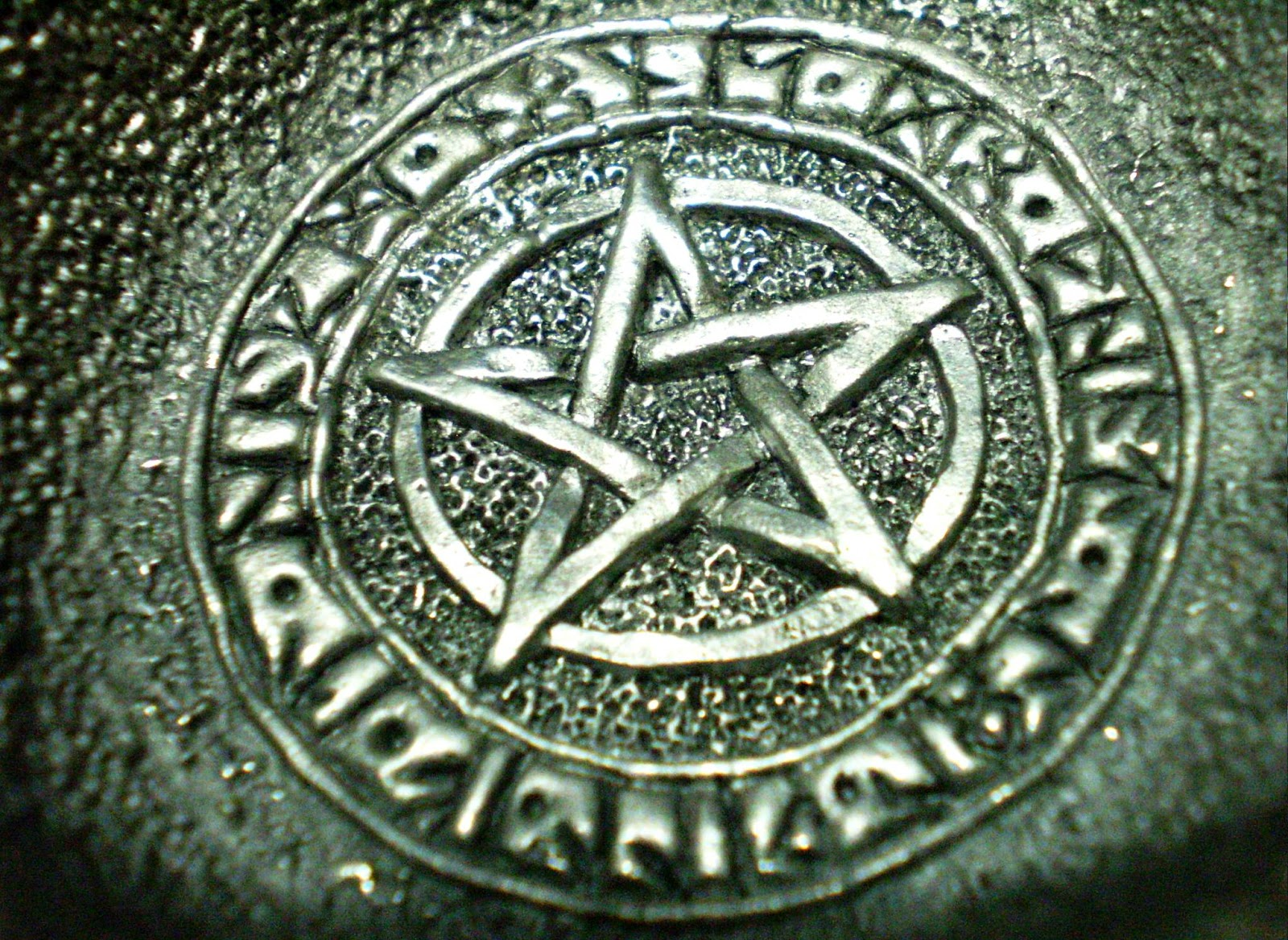 an discussion on witchcraft in the wicca religion Topix west virginia  mcdowell county  eckman  wicca is witchcraft  any objective person will find that wicca is made up  religion or lack of.