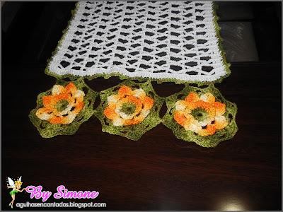 Caminho de mesa Duna, trilho de mesa, fio Duna,circulo, crochê, decoração