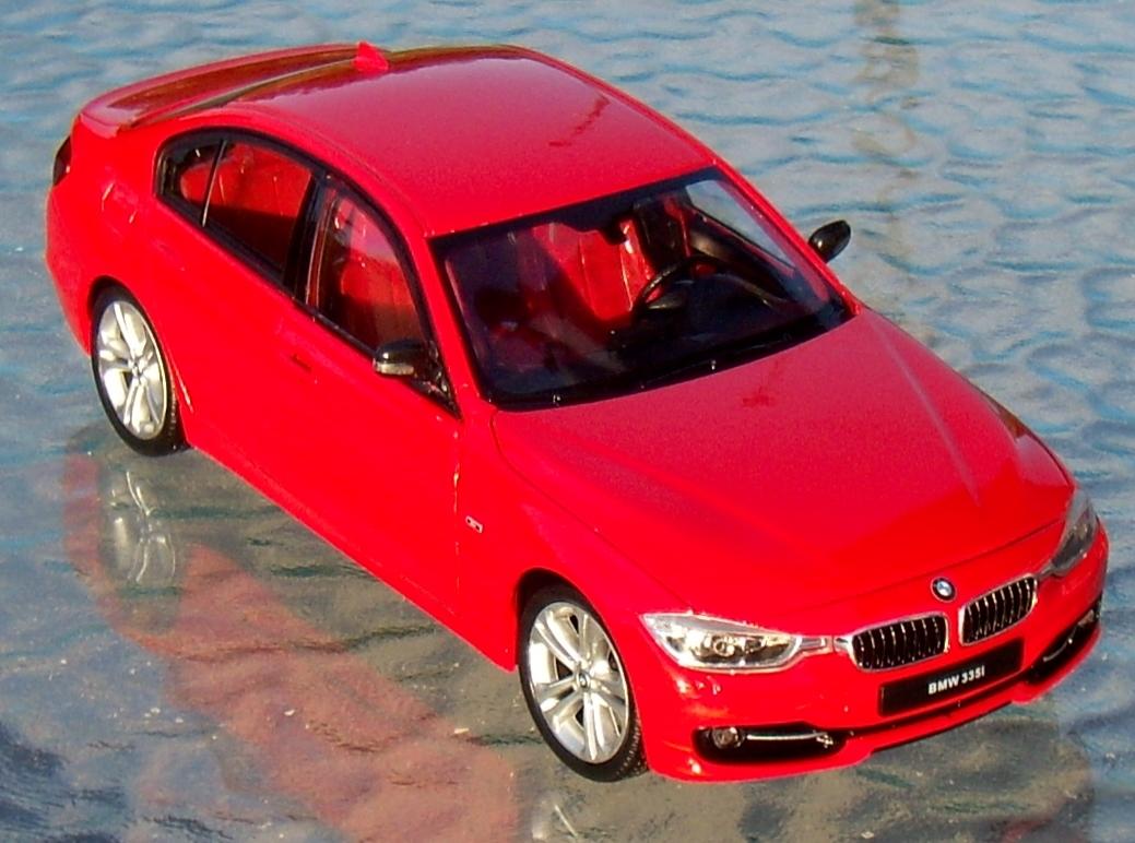 Welly 1:24 2014 BMW 335i Sport Sedan