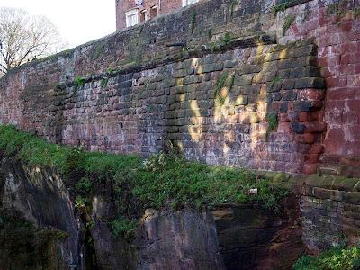 Restos romanos de la muralla de Chester