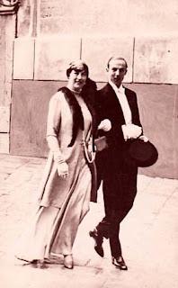 Henri, comte de Paris (1908-1999) et la duchesse de Guise (1878-1961)