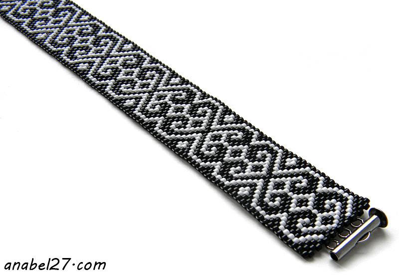 Браслет черно-белый из бисера схема