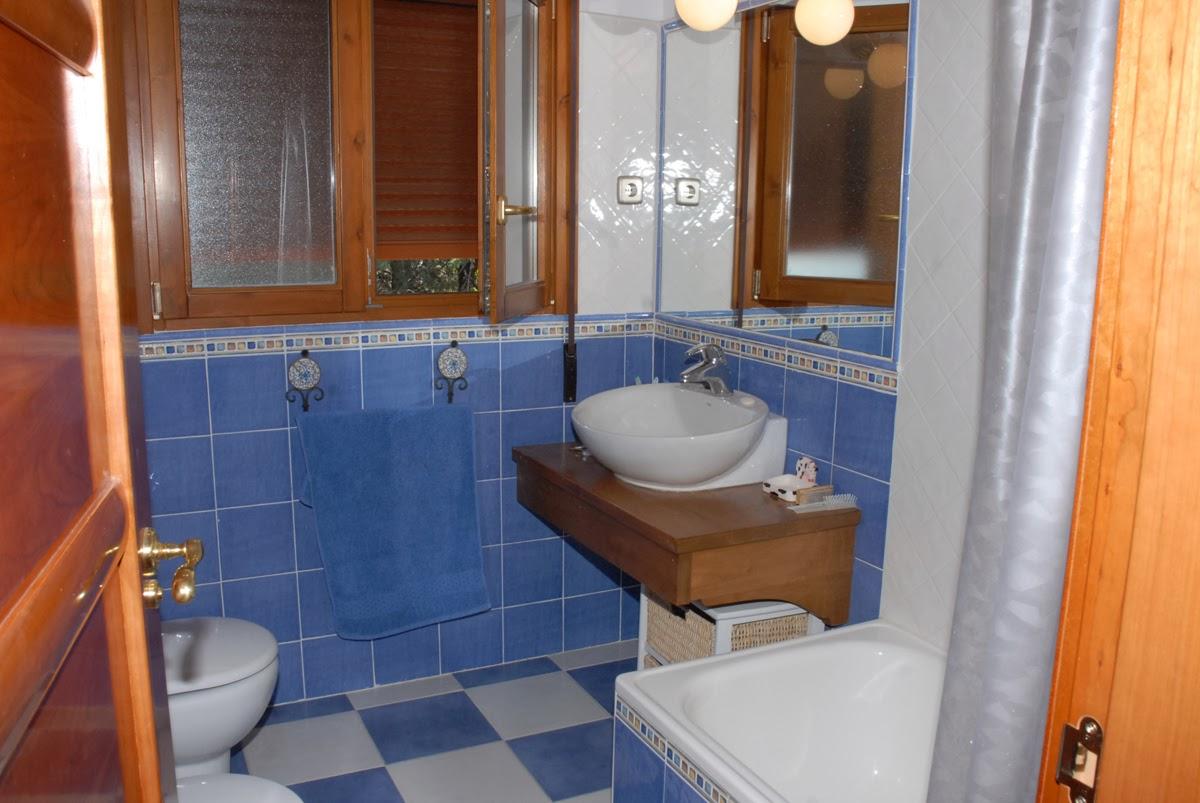 Baños Amarillos Con Azul: compartir con twitter compartir con facebook compartir en pinterest