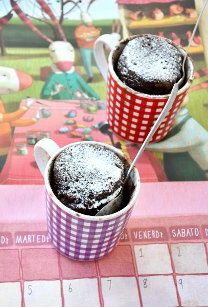 torta cioccolato in tazza