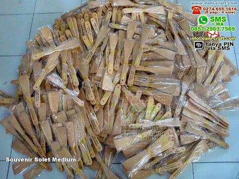 Souvenir Solet Medium Kayu Dumai Riau