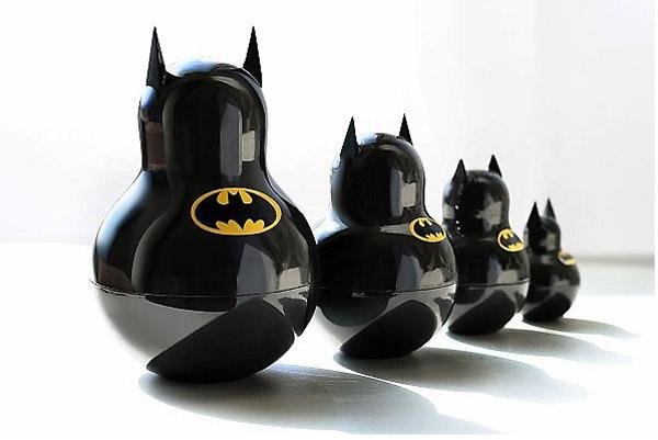 http://1.bp.blogspot.com/-_KmCWRKYBRg/T0kjPWGYuZI/AAAAAAAALkY/go-i-N1L18k/s1600/Batman-Matrjoschkas-Nesting-Dolls-Katya-Malakhova.jpg