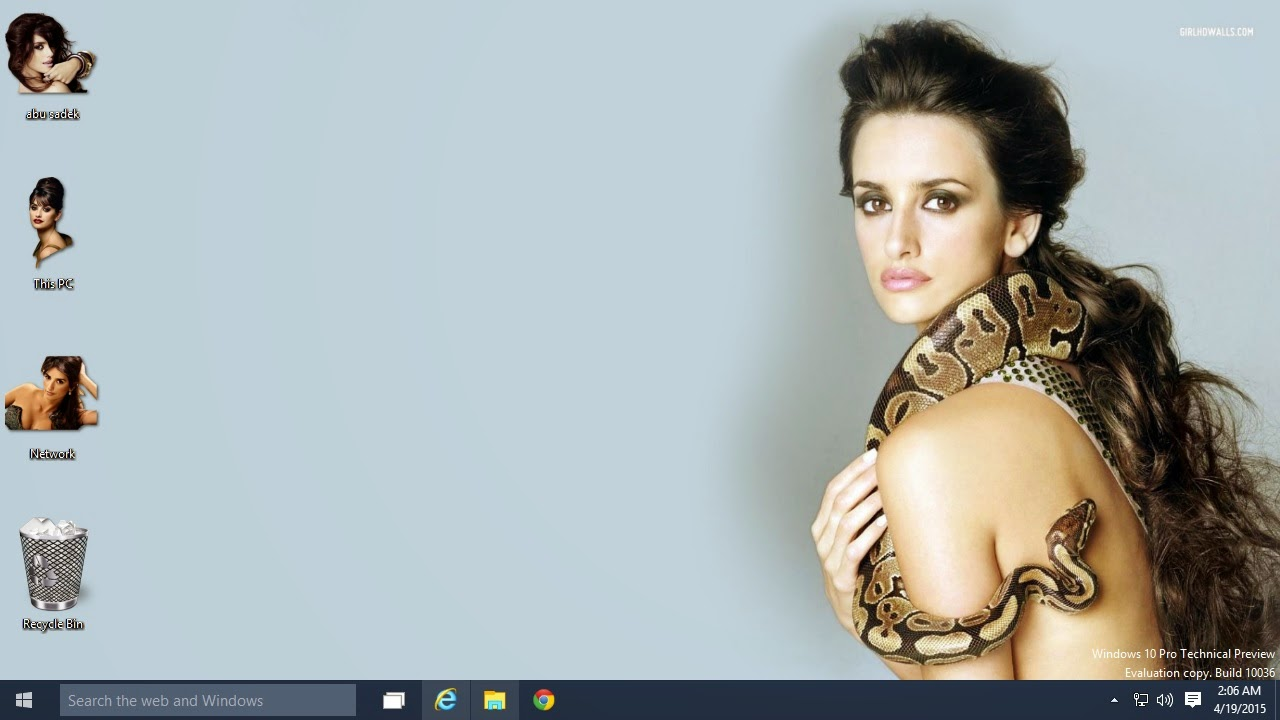 Install free Penelope Cruz Bikini theme on Ultrabook