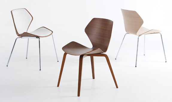 The Designers Of The Ginkgo Sought To Create An Iconic Chair With An  Instantly Recognizable Form. It Is Influenced By The Classic Series 7 Chair  By Arne ...