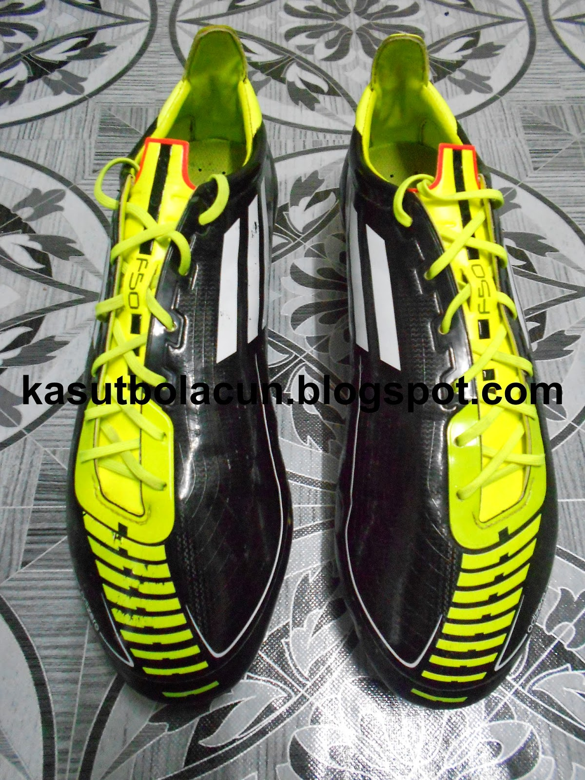 http://kasutbolacun.blogspot.com/2014/10/adidas-f50-adizero-2-sg_18.html