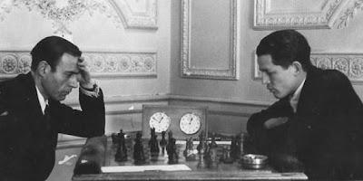 Partida de ajedrez F. J. Pérez - Fuentes en el Campeonato de España de Ajedrez de 1944