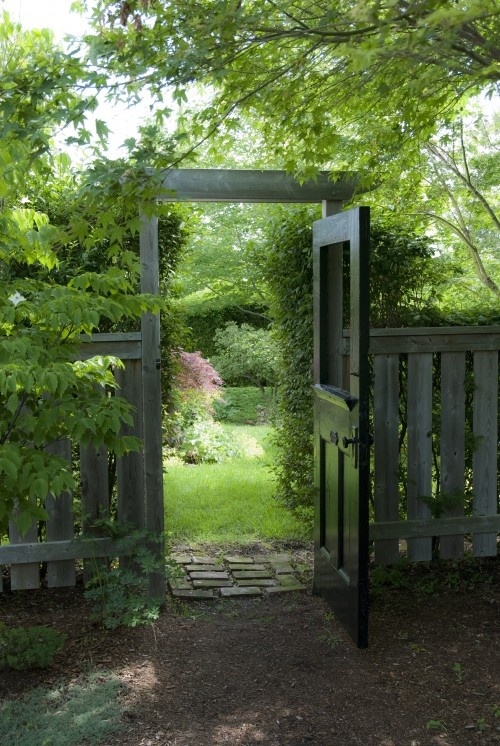 Ciao domenica garden gates for Outdoor garden doors