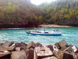 Tempat Wisata Pantai Sadeng (Begawan Solo Purba)