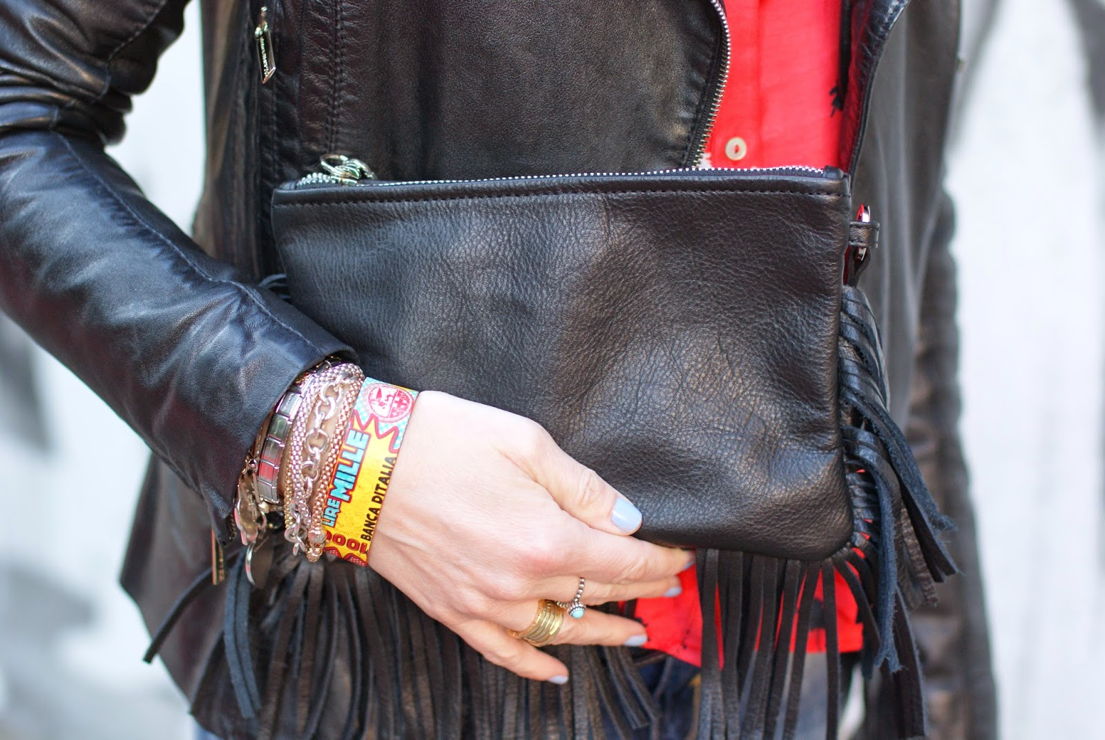Fringed clutch, Carla G borsa frange, Mille Lire Montessori POP bracelet, Fashion and Cookies, fashion blogger