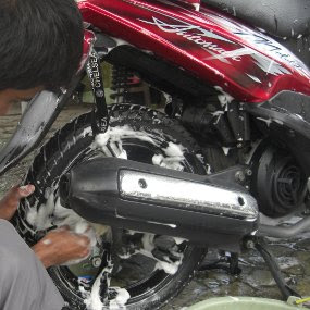 Harga Cuci Steam Motor Bagian Bawah