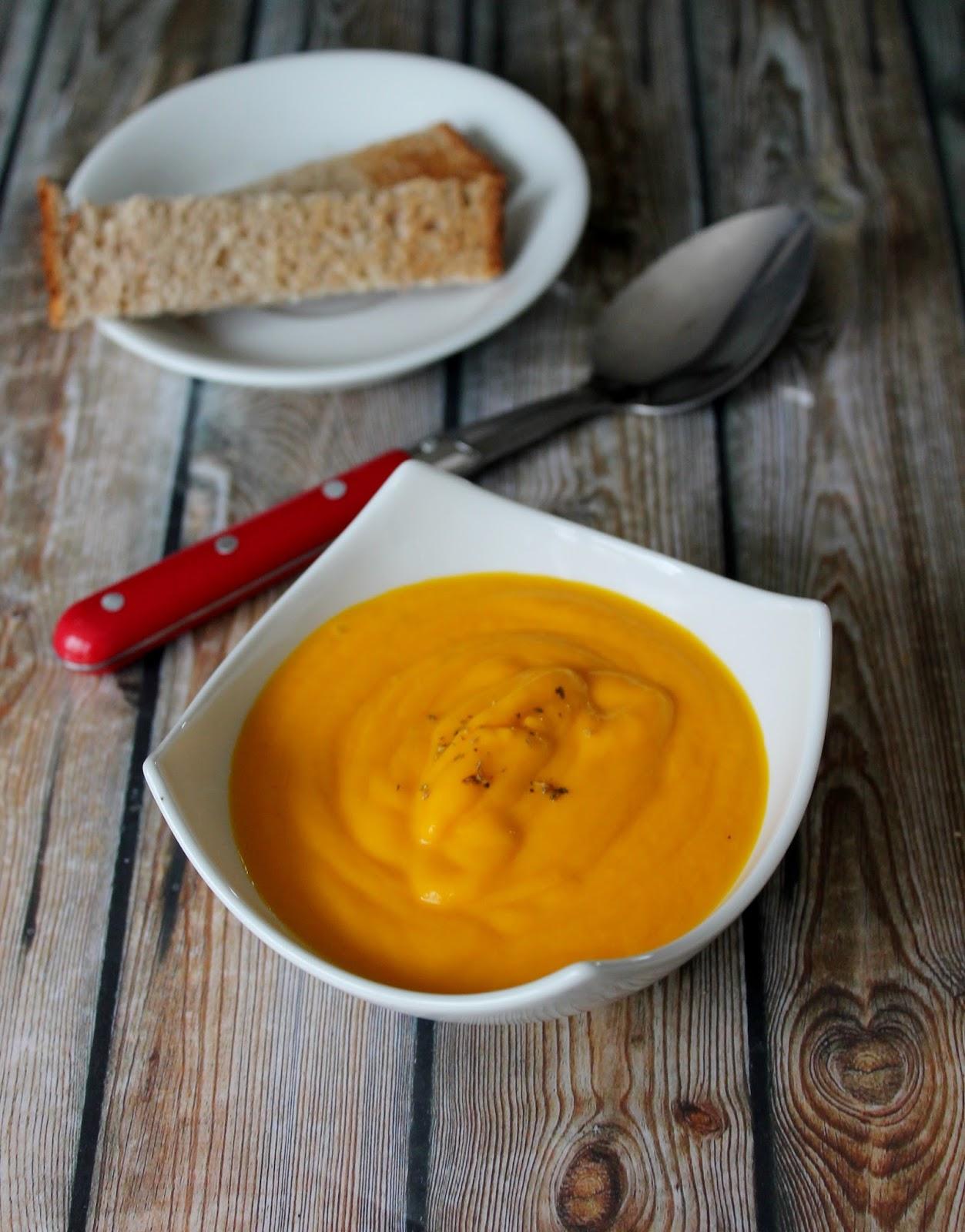 soupe carotte coco curry. Black Bedroom Furniture Sets. Home Design Ideas