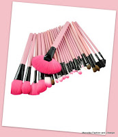 www.cndirect.com/24pcs-cosmetic-makeup-brush-set-make-up-toiletry-kit.html?utm_source=blog&utm_medium=cpc&utm_campaign=Carly329