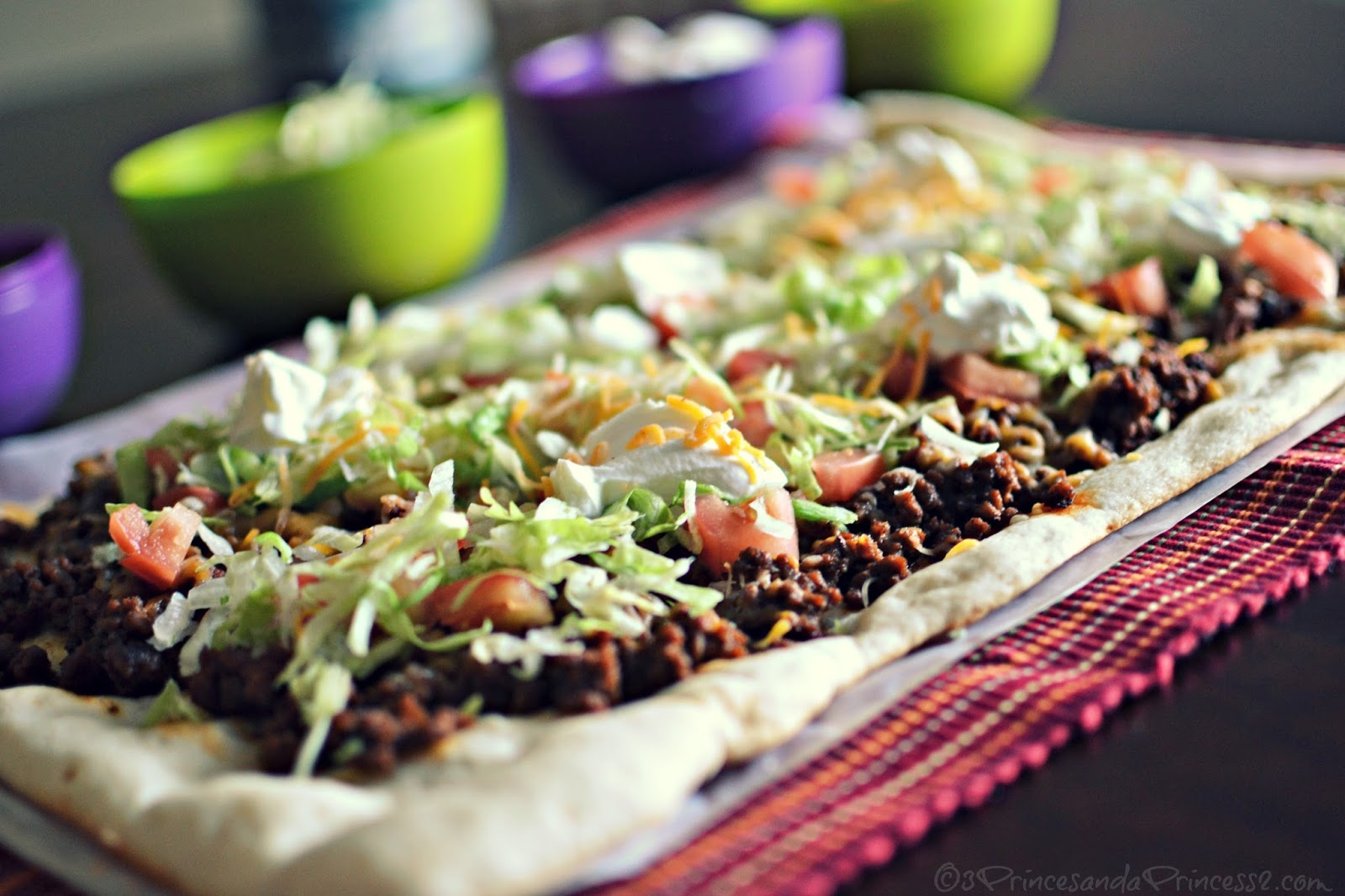 Put a Twist on Taco Night - Cheesy Taco Pizza #Recipe and Old El Paso ...