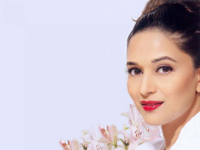 Maduri Dixit HD Wallpaper