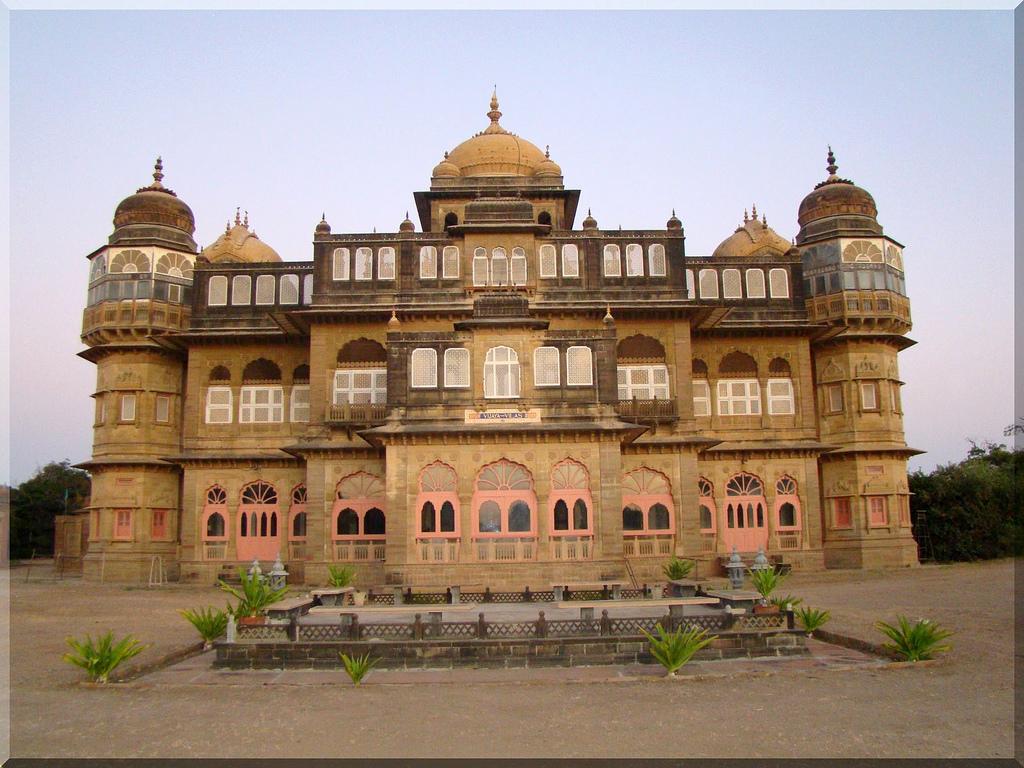 ashok sharma it 39 s my life vijay vilas palace mandvi. Black Bedroom Furniture Sets. Home Design Ideas