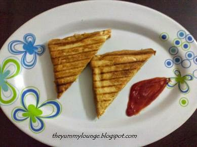 Aloo smashed potato Masala Grilled Sandwich Recipe
