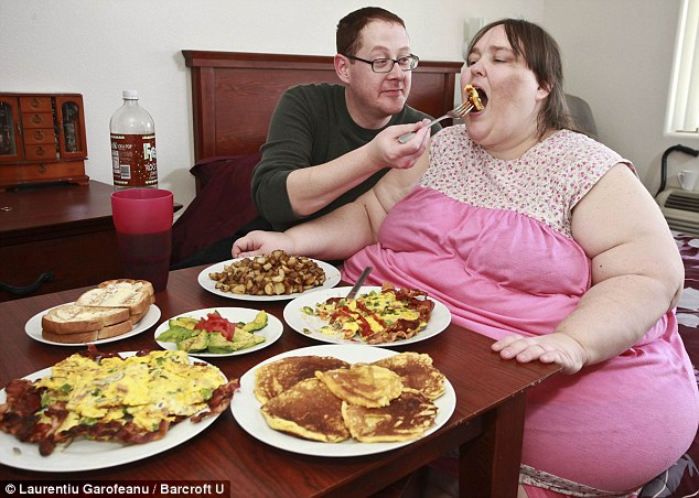 of becoming the world's fattest woman reveals she's marrying a CHEF