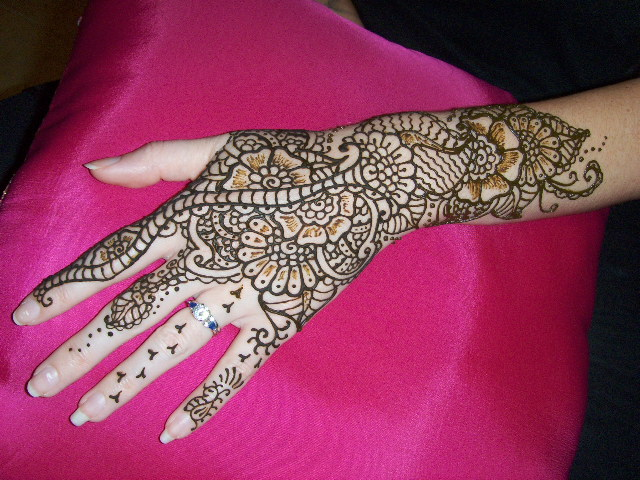 Floral Henna Design - Learn to make flower design with ...