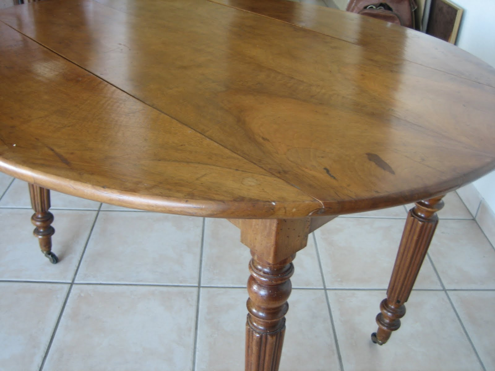 Antiques french furniture table ovale ancienne for Table ovale ancienne