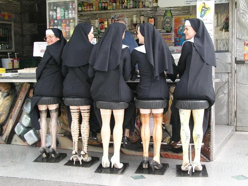 http://1.bp.blogspot.com/-_MoeIAib-Ws/TzCzi3-Hc7I/AAAAAAAAF6Q/IPg6U796koU/w1200-h630-p-nu/Nuns+barstools+stockings+1.jpg