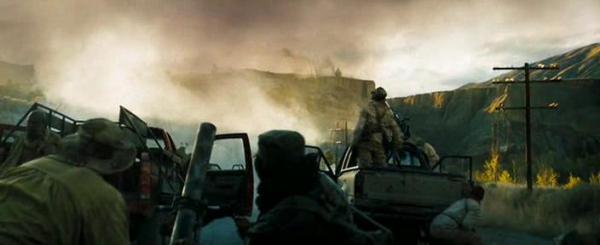 Фильм Стрелок. В кадре работа снайпера по целям